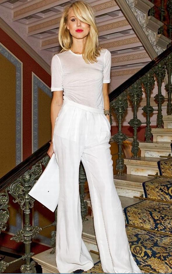 短袖白t恤怎么搭配 白t恤女短袖搭配图片